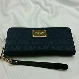 •REDUCED PRICE• BRAND NEW Authentic Michael Kors Jet Set Phone Case Wristlet Wallet / MK Signature / Baltic Blue / Retailed at SGD169 :: Tech Friendly Accessory - Designed to fit most models of IPhone, Samsung Galaxy & Blackberry Phones