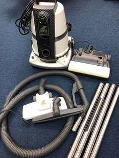 Delphin Vacuum Cleaner S8