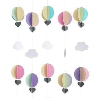 Backgroup (hot air balloons + cloud)