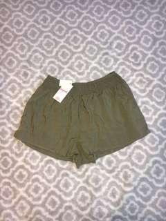 NEW cute flowy shorts