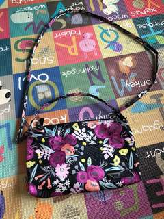 Black and bloom be quick with Long strap