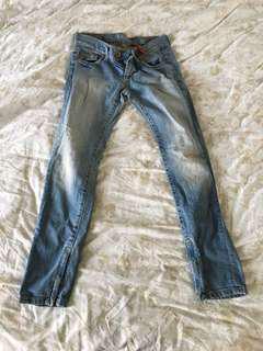 🚚 9成新美國Guess窄版牛仔褲24腰