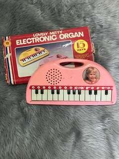Vintage Electronic Organ / Piano