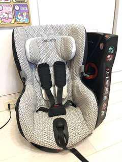 Maxi Cosi AXiSS 兒童安全座椅 8成新 9-18kg可旋轉