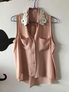 🚚 Mauve Top with Floral Embroided Collar