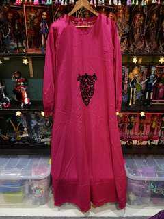 Magenta jubah