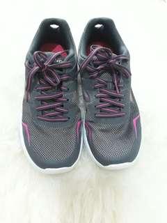 Skechers GO RUN shoes