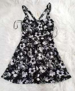 BNWT Forever 21 Cutout Floral Dress