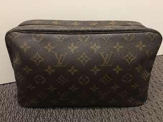 Louis Vuitton Trousse 28 toiletry cosmetic bag