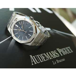 Audemars Piguet, ROYAL OAK SELFWINDING (Blue) (REF. #15400ST)