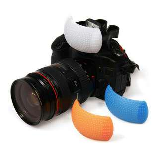 Popup flash diffuser