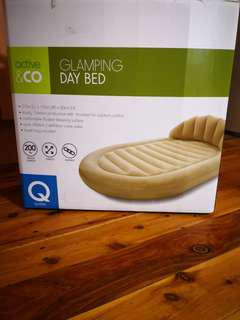 Day bed inflatable