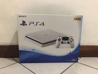 Brandnew PS4 jailbroken 5.05 1 year warranty