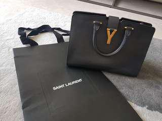 Retial over $1800 - 100% Authentic CABAS Shoulder bag Black