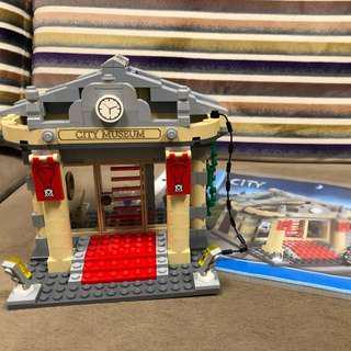 Lego 60008 Museum 淨建築物 有說明書