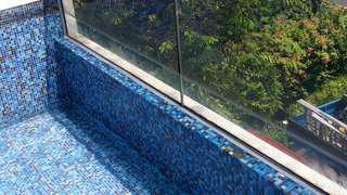 Swimming pool has leaks?