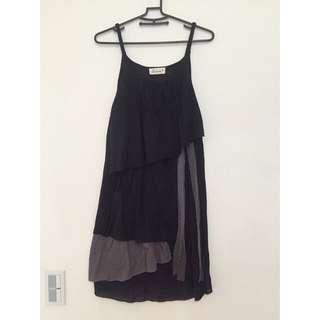 🚚 設計師款不規則棉質吊帶洋裝 V領 #女裝半價拉 Marjorie