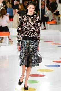 💲26K CHANEL PLEATED BLACK METALLIC LACE SKIRT RUNWAY RARE ITEM 裙