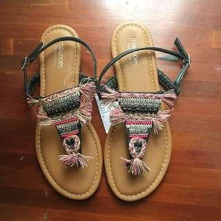 🚚 全新🇺🇸38號歐美品牌彩色質感編織流蘇涼鞋