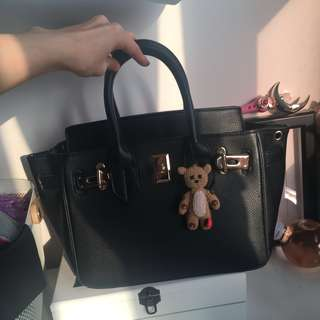 H inspired handbag with straps