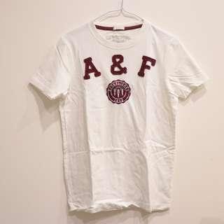 A&F白色短T