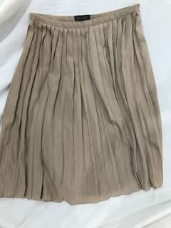 Plains and prints pleated skirt
