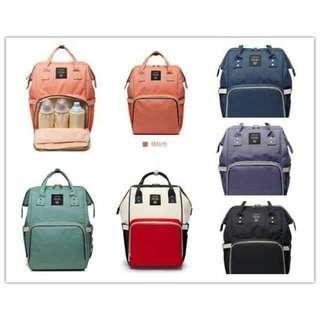 Travel bag for mom