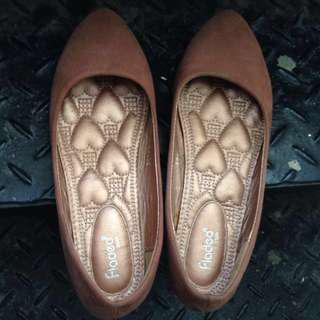 Brown Flat Shoes Fladeo