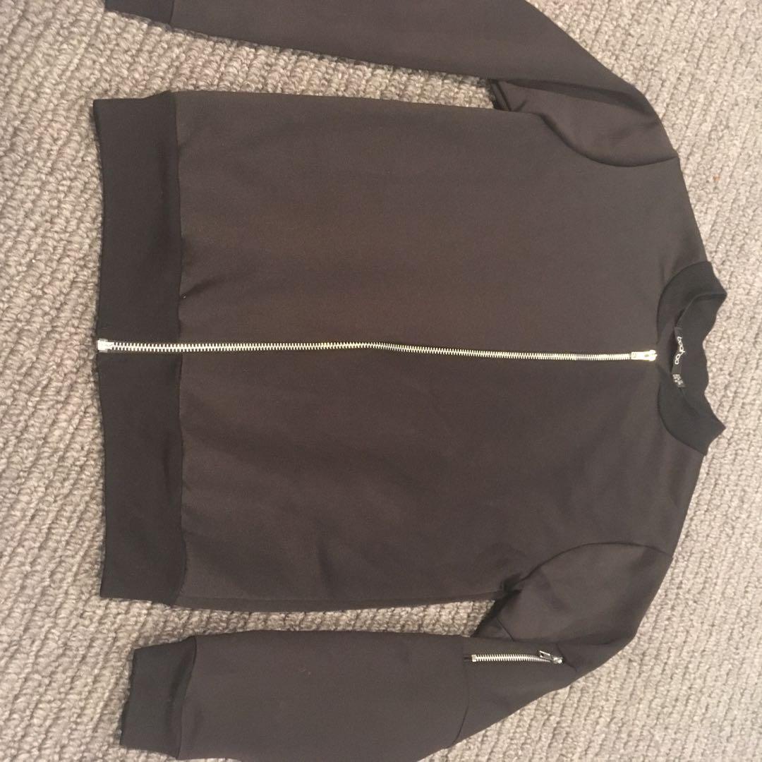 Black boohoo bomber jacket