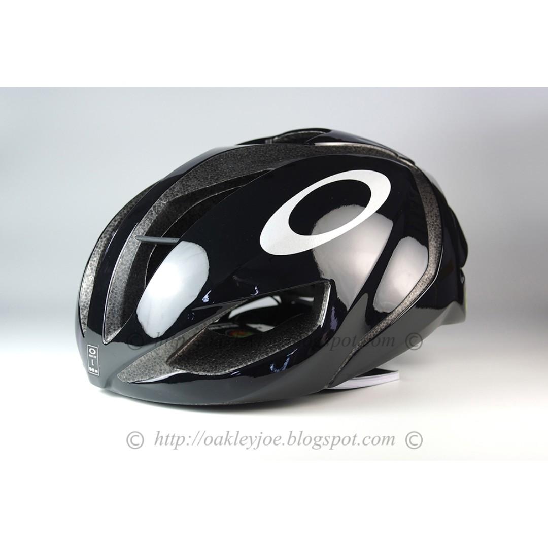 0e67c7ce03 Brand New Authentic Oakley ARO 5 Glossy Black Helmet ARO5 aro5 ...