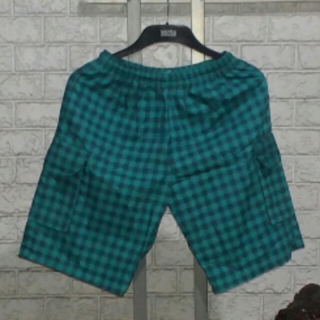 a0c6511485 NEW Checkered Drawstring Cargo Shorts For Teens To Young Adults Boys on  Carousell