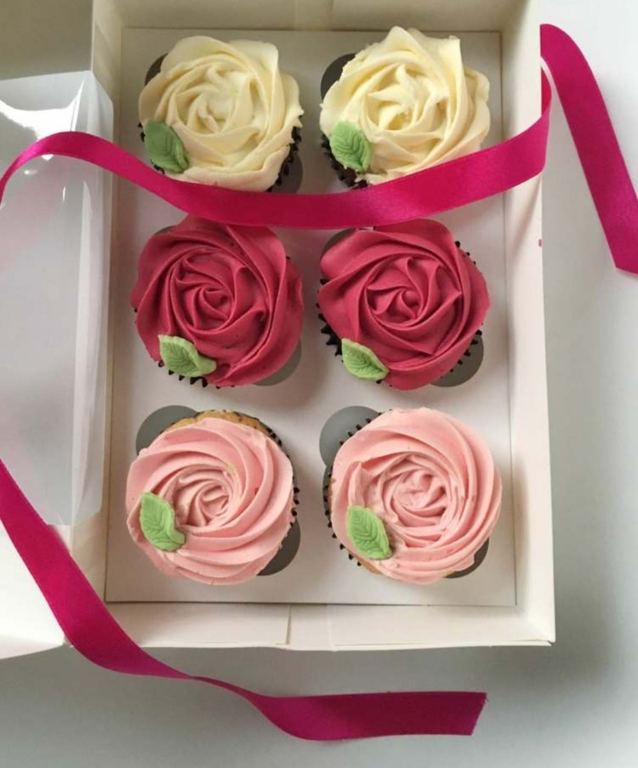 Exclusive Rosette Cupcakes Food Drinks Baked Goods On Carousell