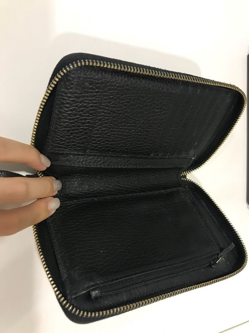 c043b751004 Gucci - swing zip around wallet