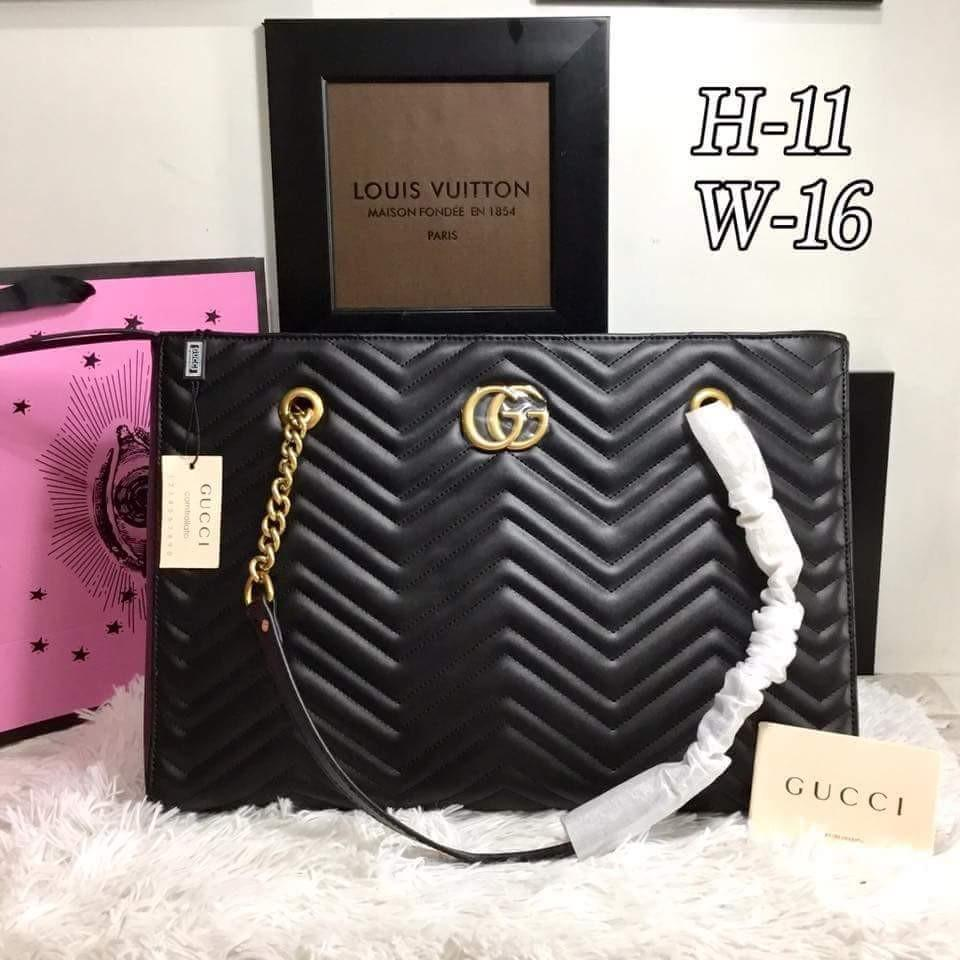 5ffa30df9305ae GUCCI GG Marmont 2.0 Matelasse Medium Leather East/West Tote Bag - Black on  Carousell