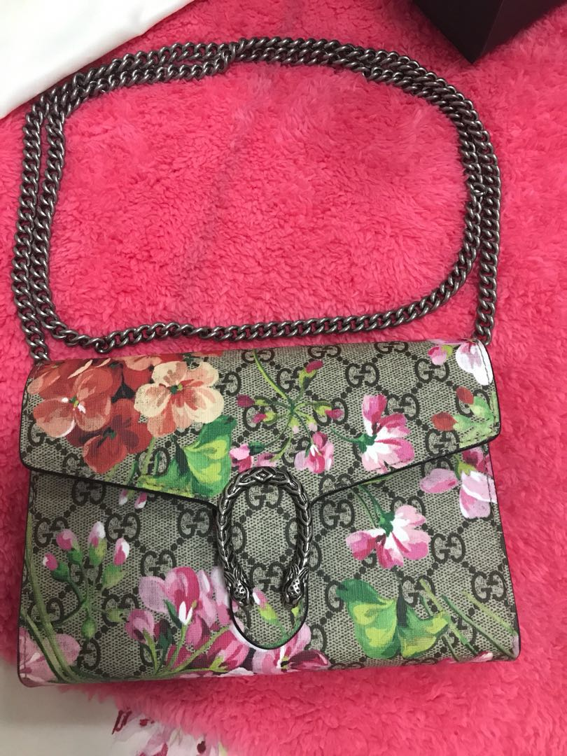 61599f43364bda Gucci wallet on chain Dionysus GG Blooms, Luxury, Bags & Wallets ...