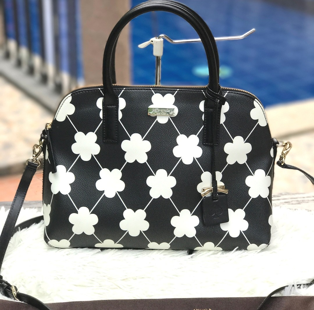 4a5c96299fde Kate Spade Dome Satchel Bag ❤️BIG SALE P8800 only❤ Rarely used. Good as  new! Swipe for detailed pics
