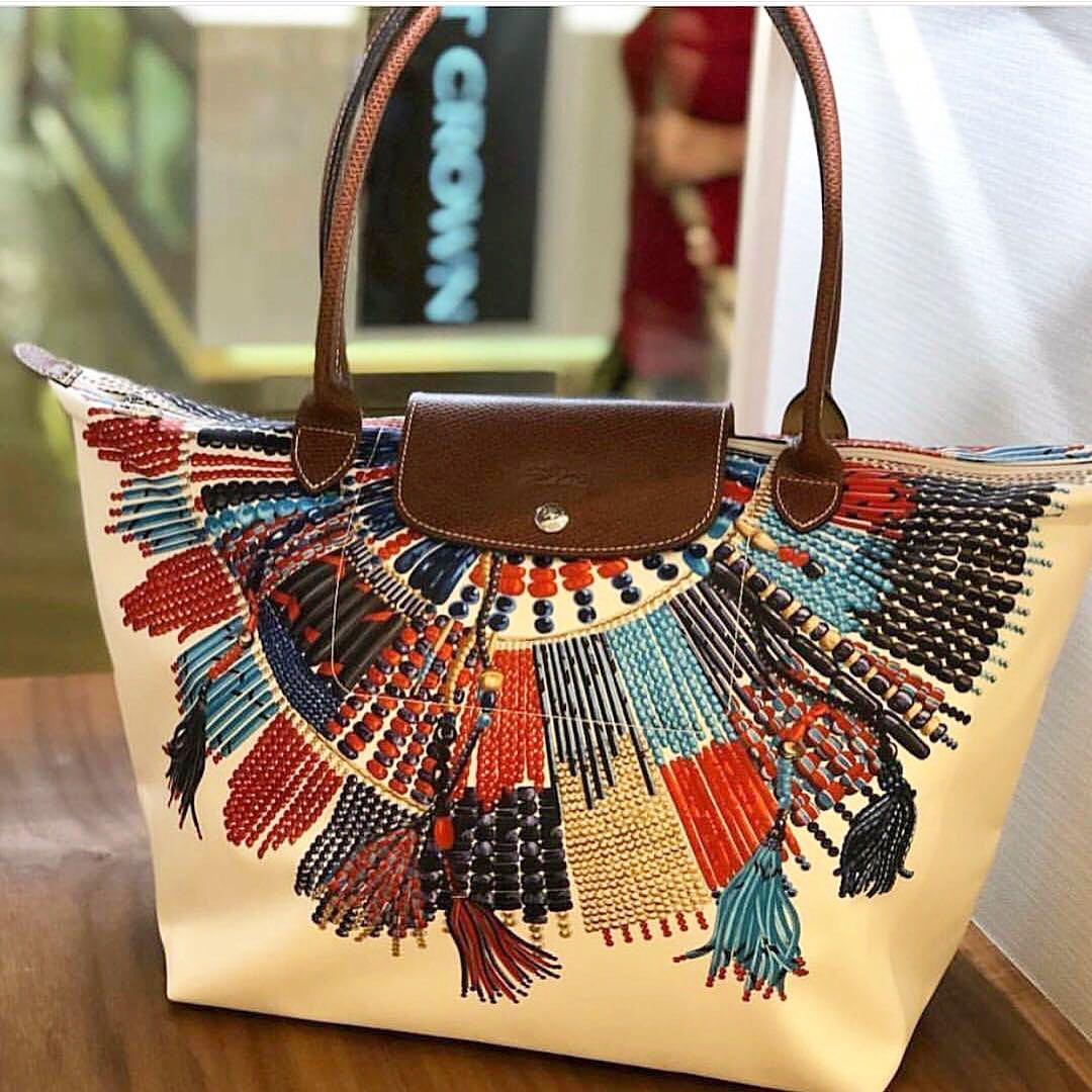 c78d22375ecd Longchamp le pliage collier massai
