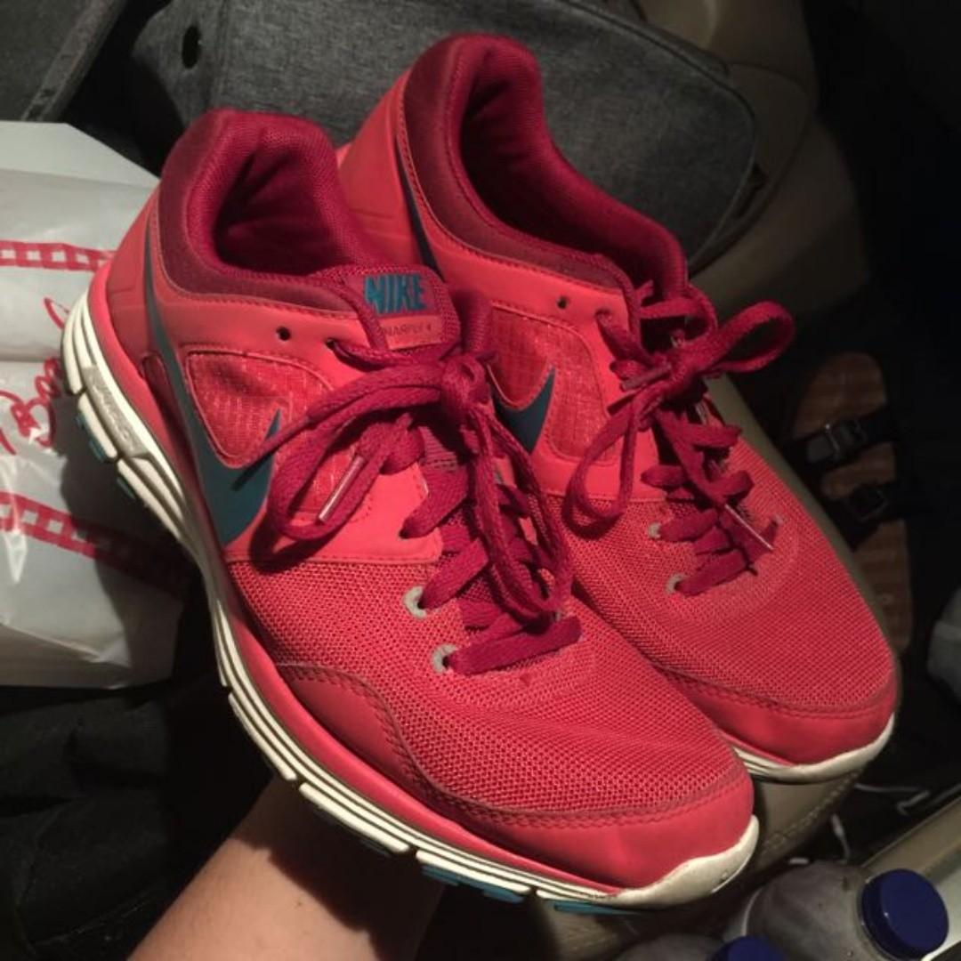 84ff7d1ef7cfe Nike Lunarfly+4 Red Merah