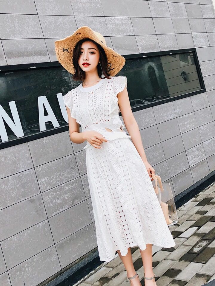 d386b22dfad5 Self portrait Inspired lace midi dress, Women's Fashion, Clothes ...