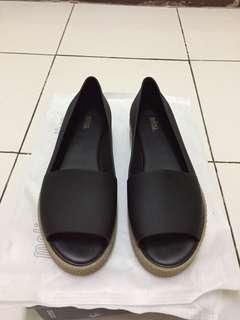 Sepatu melissa puzzle