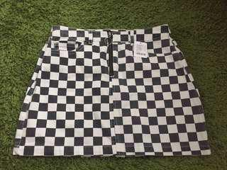 URBAN OUTFITTERS brand new with tag checkered denim skirt (size M)