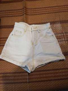淺藍高腰牛仔褲(保留)