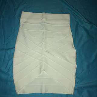 🚚 White bodycon wrap skirt