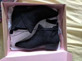 BNIB Black Suede Booties Forever 21 size 5.5