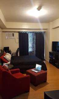 For rent Studio with balcony at rockwell grove