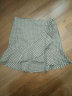 Checked frilly mini skirt