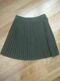Black Pleated accordion skirt