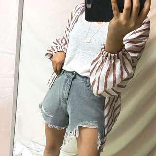 🚚 全新轉賣lalau 灰黑色破損短褲(M號)