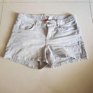 31-32 Divided Shorts