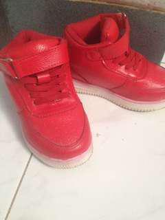 Sepatu merah ATR (import)